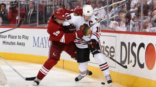 Blackhawks Trump Coyotes in Game 5