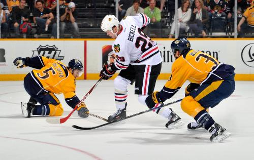 Hossa Leads Blackhawks Over Predators 3-1
