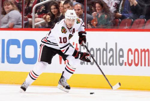 Patrick Sharp Back in Hawks Lineup vs. Oilers