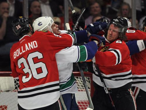 Shaw Scores In OT, Blackhawks Beat Canucks 2-1